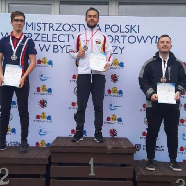Wiktor Blada mistrzem Polski juniorów