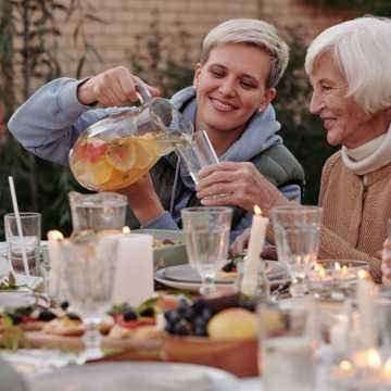 3 rzeczy, które musisz wiedzieć, jeżeli interesuje Cię opieka nad starszymi osobami