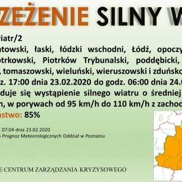 Pogodowy alert 2. stopnia dla Radomska i powiatu: silny wiatr
