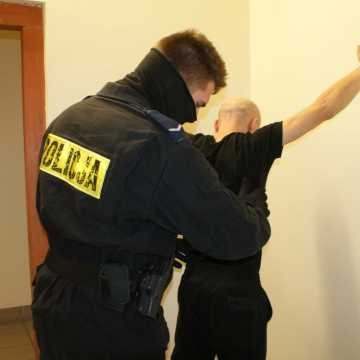 Kradzione meble ukryte w domu w pow. radomszczańskim. 34-latek zatrzymany