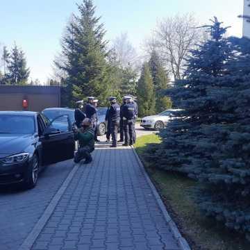 """Policyjna akcja """"Bezpieczne Radomsko"""" trwa na terenie powiatu"""