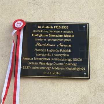 Odsłonięcie tablicy Stanisława Niemca