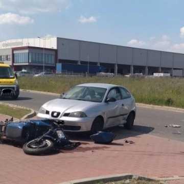 Wypadek na ul. Stolarzy w Radomsku. Ranny 38-letni motocyklista