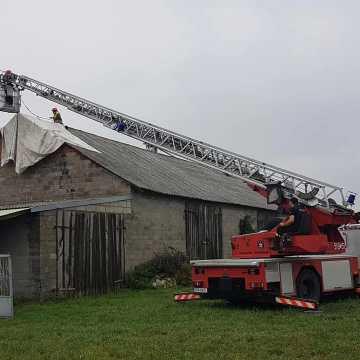 Wiatr uszkodził dach w Cieszątkach