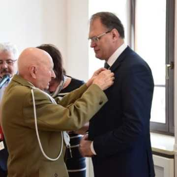 Medale i odznaczenia w 74. rocznicę powstania KWP