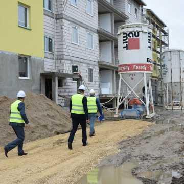 Budowa bloku przy ul. Sadowej 7E na półmetku