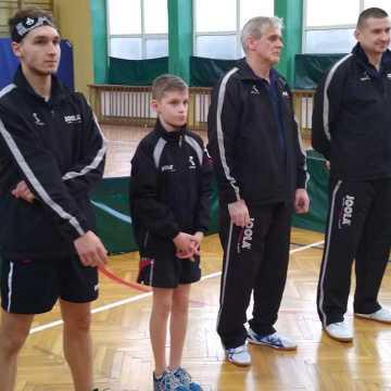 Wygrana tenisistów stołowych UMLKS Radomsko w Sieradzu