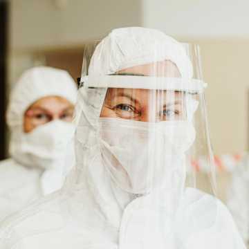W Łódzkiem są 604 nowe zakażenia koronawirusem, w pow. radomszczańskim - 17