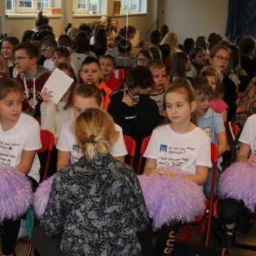 """Międzyszkolny Konkurs """"Mój Talent"""" w PSP 6 w Radomsku"""