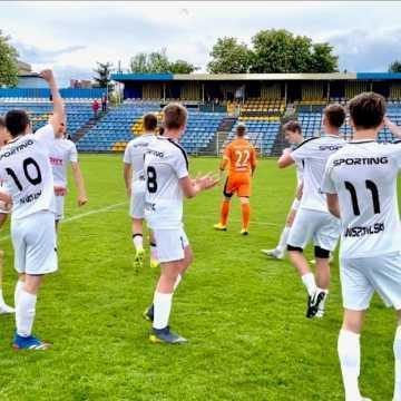 Sporting Radomsko wygrywa kolejny mecz w lidze wojewódzkiej juniorów