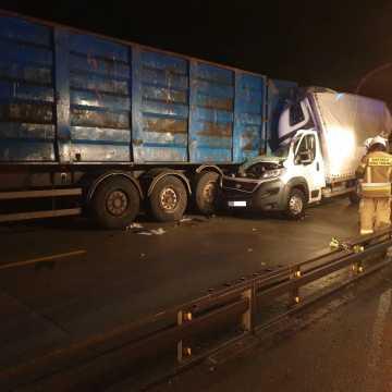 Wypadek na DK1 w okolicy Radomska. Jedna osoba trafiła do szpitala