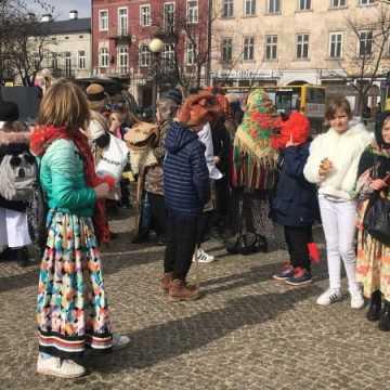 Radomszczańskie zapusty, czyli barwny korowód na ulicach Radomska