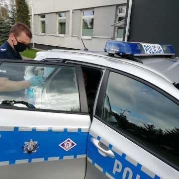 Driftował przed komendą policji, został zatrzymany