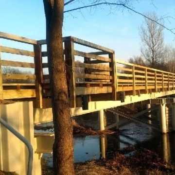 Most w Krzętowie został wyremontowany, ale już jest dewastowany. Sołtys prosi o interwencję