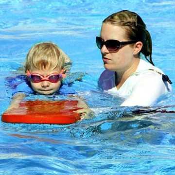 Feryjny kurs nauki pływania dla dzieci