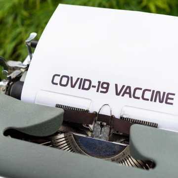 Rząd rozważa ograniczenie dostępu do usług dla niezaszczepionych