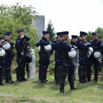 Policjanci wciąż szukają chętnych do służby