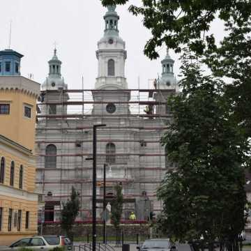Kościelne wieże w renowacji