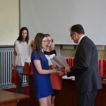 Prezydent nagrodził uzdolnionych uczniów