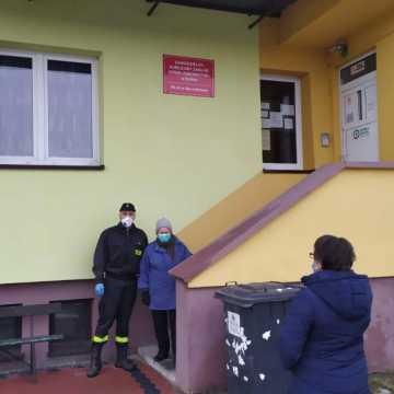 Na szczepienia dowożą strażacy z OSP z powiatu radomszczańskiego