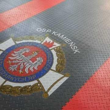 Nowy wóz strażacki w garażu druhów OSP Kamieńsk
