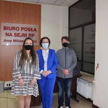 Uczniowie z I LO w Radomsku na Sejmie Dzieci i Młodzieży