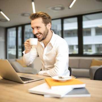 Jakie biuro wybrać do tłumaczenia niemieckich dokumentów? Poznaj najważniejsze kryteria