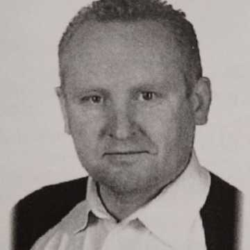 Poszukiwany Jacek Jaworek. Jest podejrzany o morderstwo rodziny w Borowcach