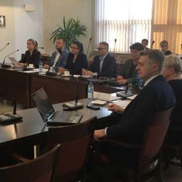 Stanowisko starostwa w sprawie likwidacji wydziału pracy w sądzie w Radomsku