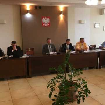 Szpital i Światowe Dni Młodzieży -  punkty zapalne Sesji Rady Powiatu Radomszczańskiego
