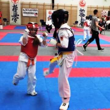"""Złoty puchar dla Klubu Karate """"Randori"""""""