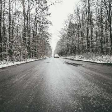 Uwaga! Będzie ślisko na drogach i chodnikach!