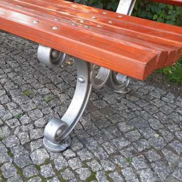 Co z ławkami na placu 3 Maja? Wracają na swoje miejsce