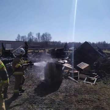 Budynek mieszkalny doszczętnie spłonął. Straty oszacowano na 100 tys. złotych