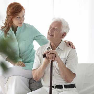 Jak przygotować się do rozmowy o pracę w opiece? Opiekunka osób starszych Niemcy
