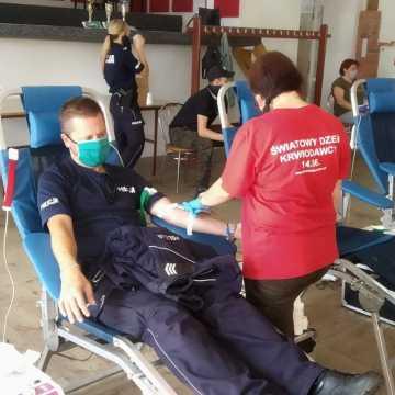 Pow. piotrkowski: policjanci oddali krew dla Ewy