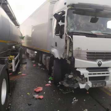 Dwie ciężarówki zderzyły się na DK1