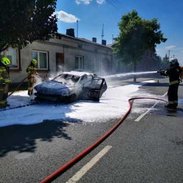W Kamieńsku spłonął samochód