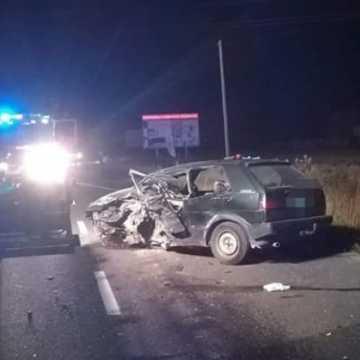 Tragedia w Strzałkowie. Zginął młody kierowca