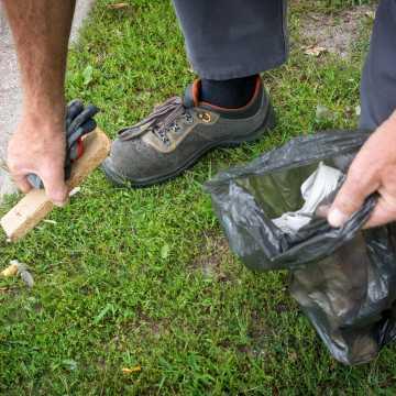 Bełchatów: mieszkańcy wykonują prace społecznie użyteczne