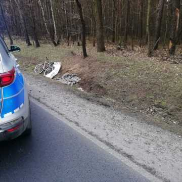 Policjanci jechali do wypadku. W ich radiowóz uderzył samochód