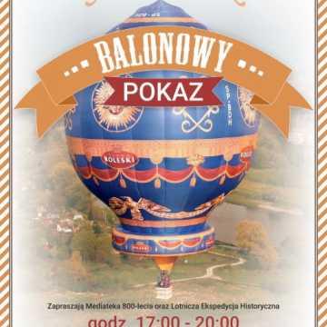 Piotrków Tryb.: balon zacumuje przy Mediatece