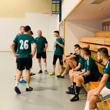 Remis w meczu na szczycie radomszczańskiej halówki