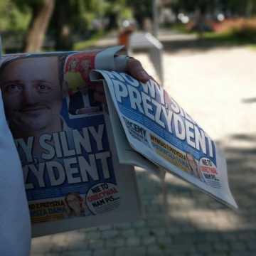 Przedwyborcza niedziela na targowisku w Radomsku