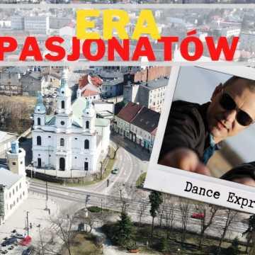 Faceci z poczuciem humoru, czyli Dance Express