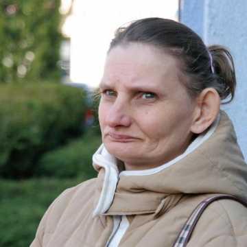 Decyzja o odebraniu matce 11 dzieci wciąż w mocy. Sąd odroczył rozprawę