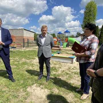 Sucha Wieś: nowy plac zabaw oddany do użytku. Z konfliktem w tle...