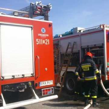 Pożar dachu w Stobiecku Szlacheckim