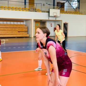 Wyniki XII kolejki Amatorskiej Ligi Siatkówki