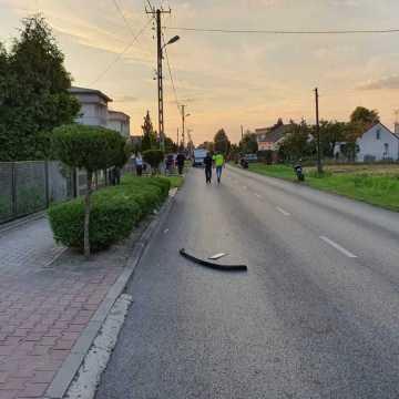 W Dobryszycach zderzenie motocykla z golfem